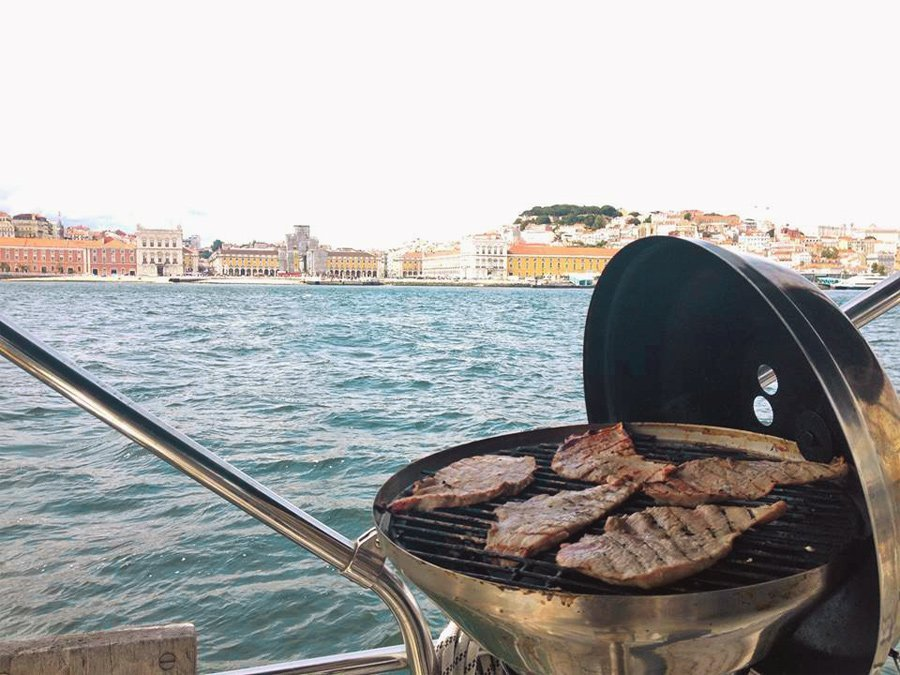 Barbecue Sailing